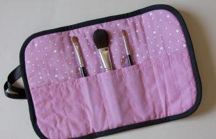 Pochette pinceaux à maquillage